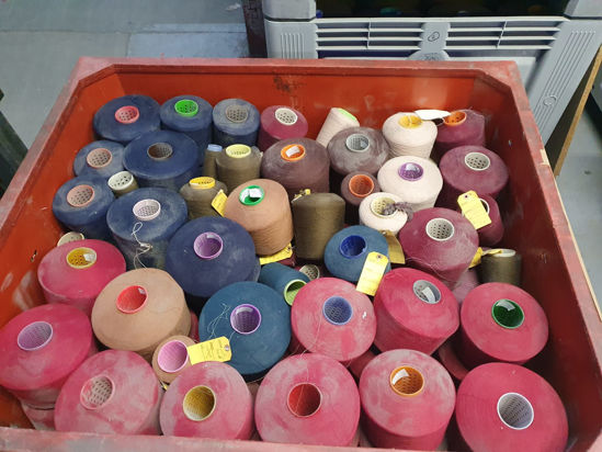 Picture of Yarn - Excess yarn due to go landfill - Worsted